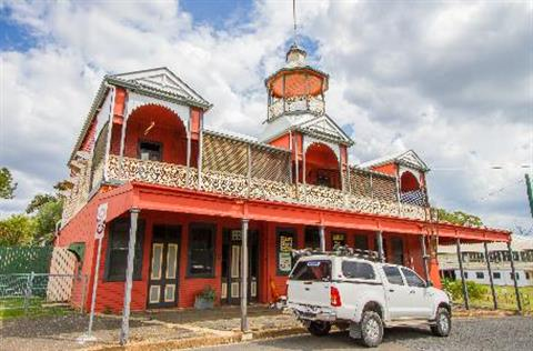 Mount Morgan Red Building Pagoda Balcony Ute